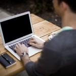 מחשב נייד בעבודה